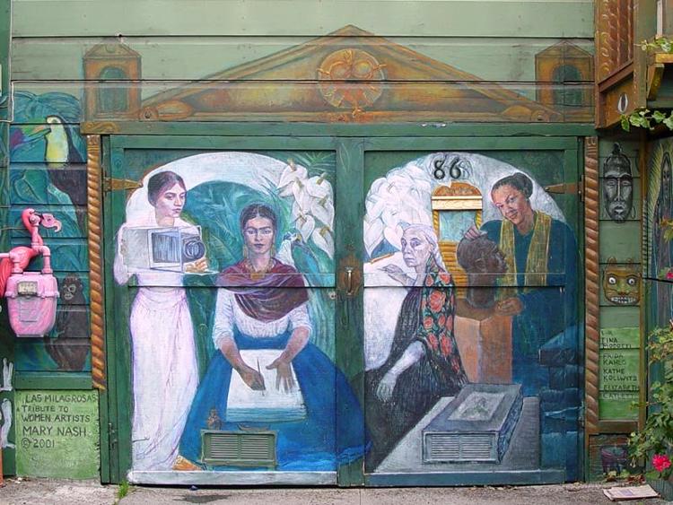 Murale dedicato ad alcune famose donne artiste legate alle vicende storiche del Messico. Da sinistra a destra possiamo riconoscere la fotografa italiana Tina Modotti, la pittrice messicana Frida Kahlo (moglie di Diego Rivera), l'artista tedesca Käthe Kollwitz, e la scultrice messico-americana Elizabeth Katlett.