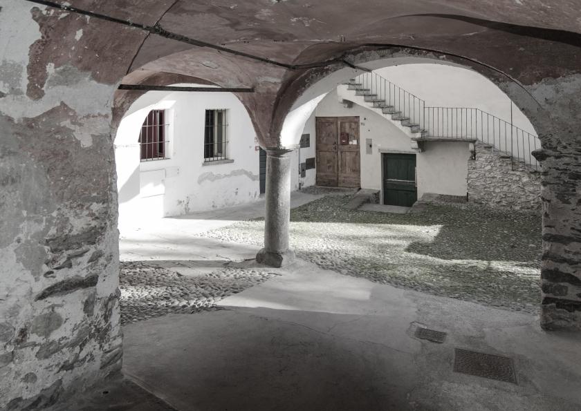 Vecchia corte in contrada Scarpatetti a Sondrio