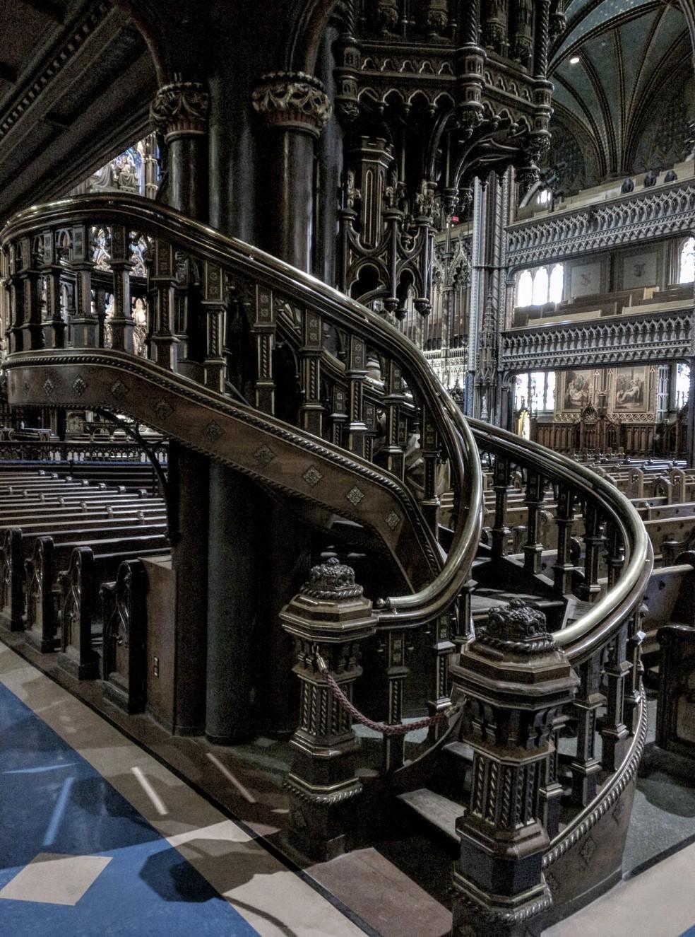 Pulpito nella Basilica di Notre-Dame