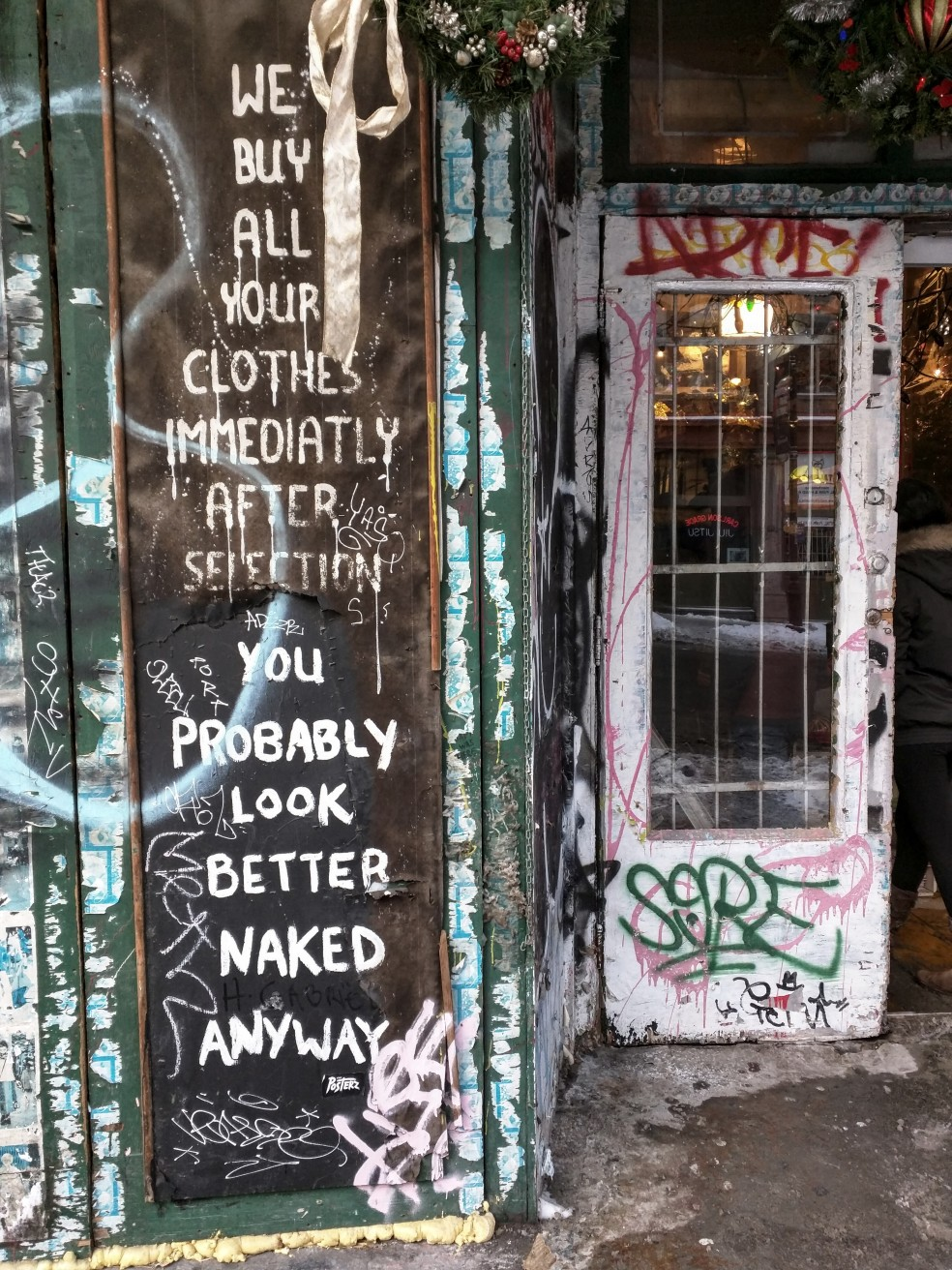 Negozio di vestiti usati in Rue Saint Laurent