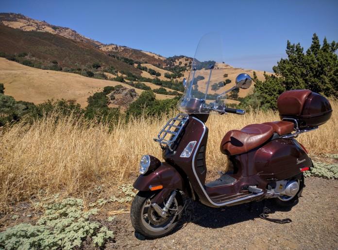 La Vespa ama salire sulle montagne californiane