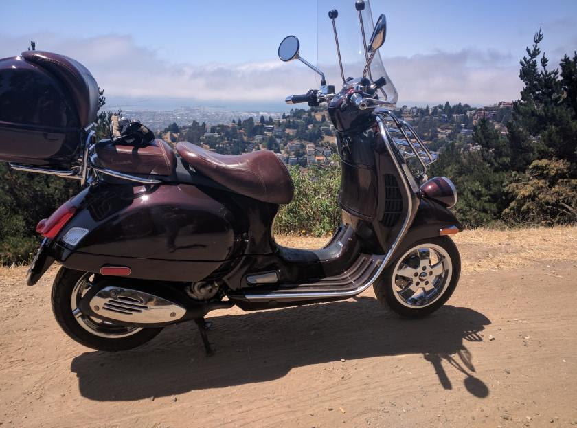 La Vespa si affaccia sulla baia di San Francisco