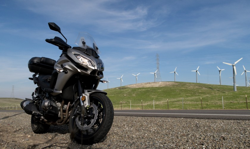 Kawasaki Versys 1000 LT: Californian wind farm