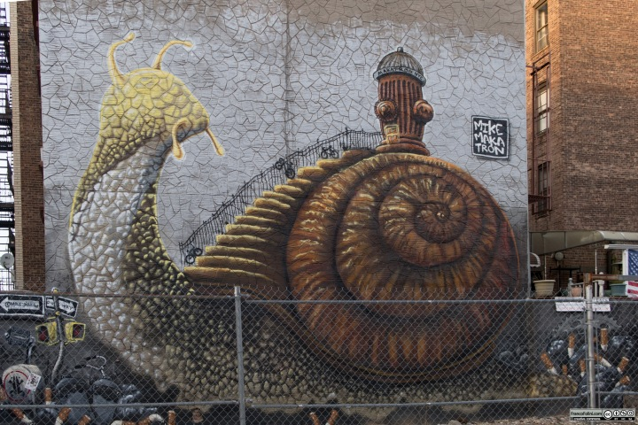 """Giant Snail"" mural by Mike Makatron, Bedford & South 3rd Street, Williamsburg New York, USA"