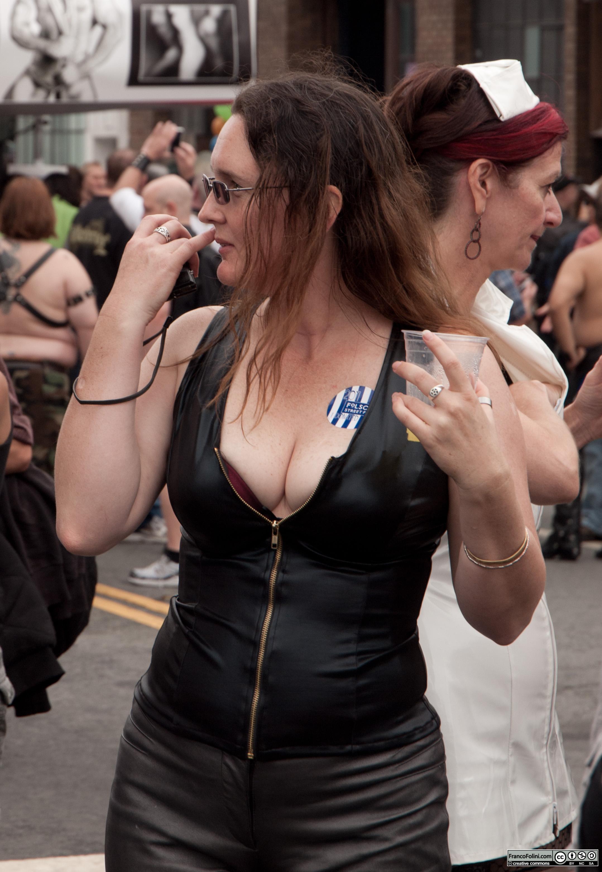 San Francisco Folsom Street Fair: leather girl