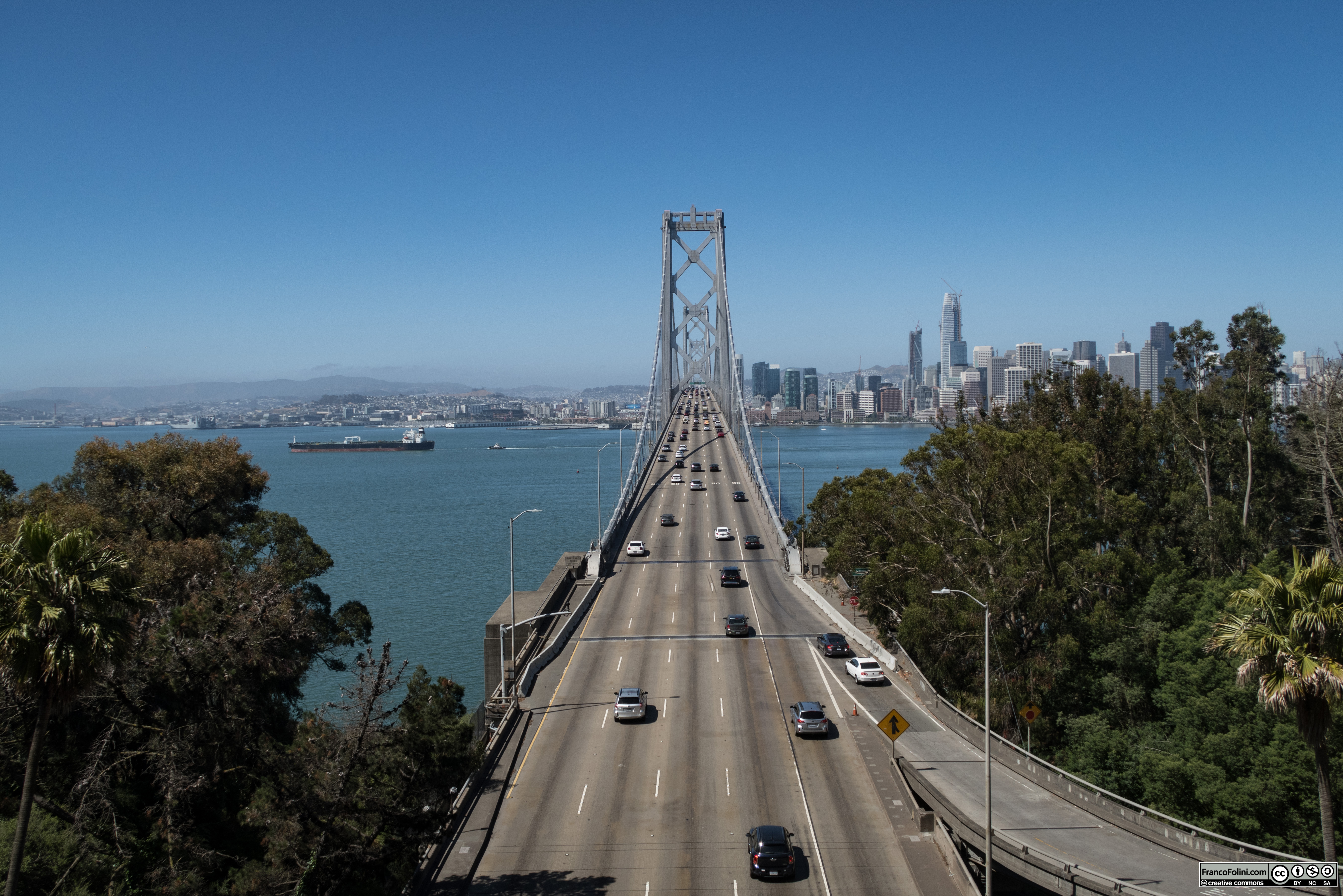 Il tratto del Bay Bridge tra Treasure Island e San Francisco visto dalla collina di Treasure Island