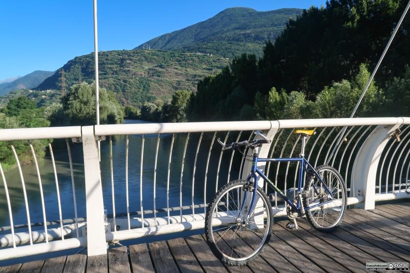 Sentiero valtellina: il ponte ciclopedonale sull'Adda a di Sondrio