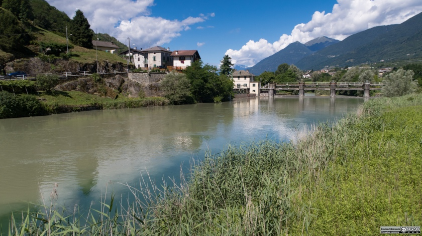Sentiero Valtellina: il fiume Adda a Chiuro in località Baghetto.