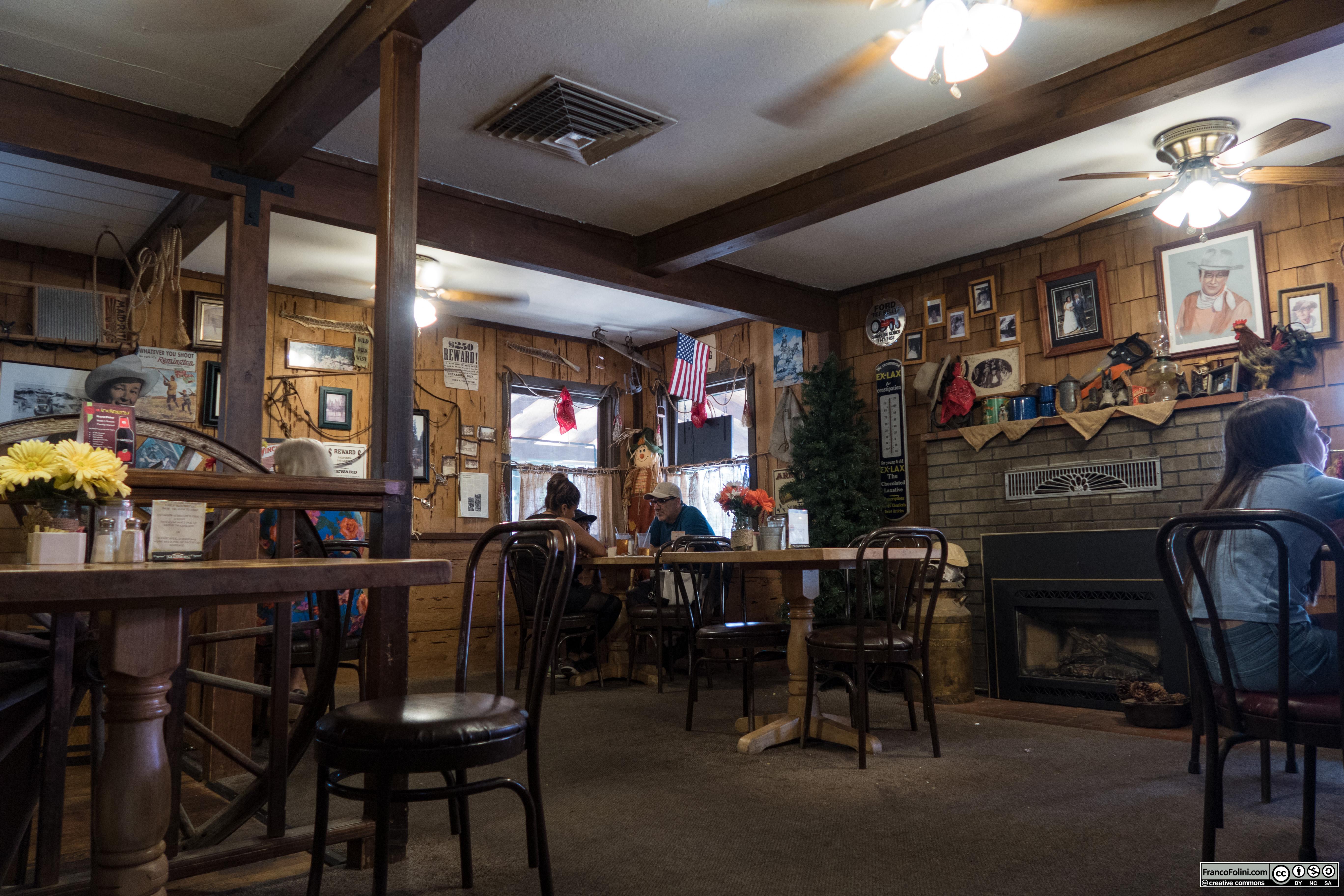 Interno di Bristol's Ranch House Cafe in Arnold