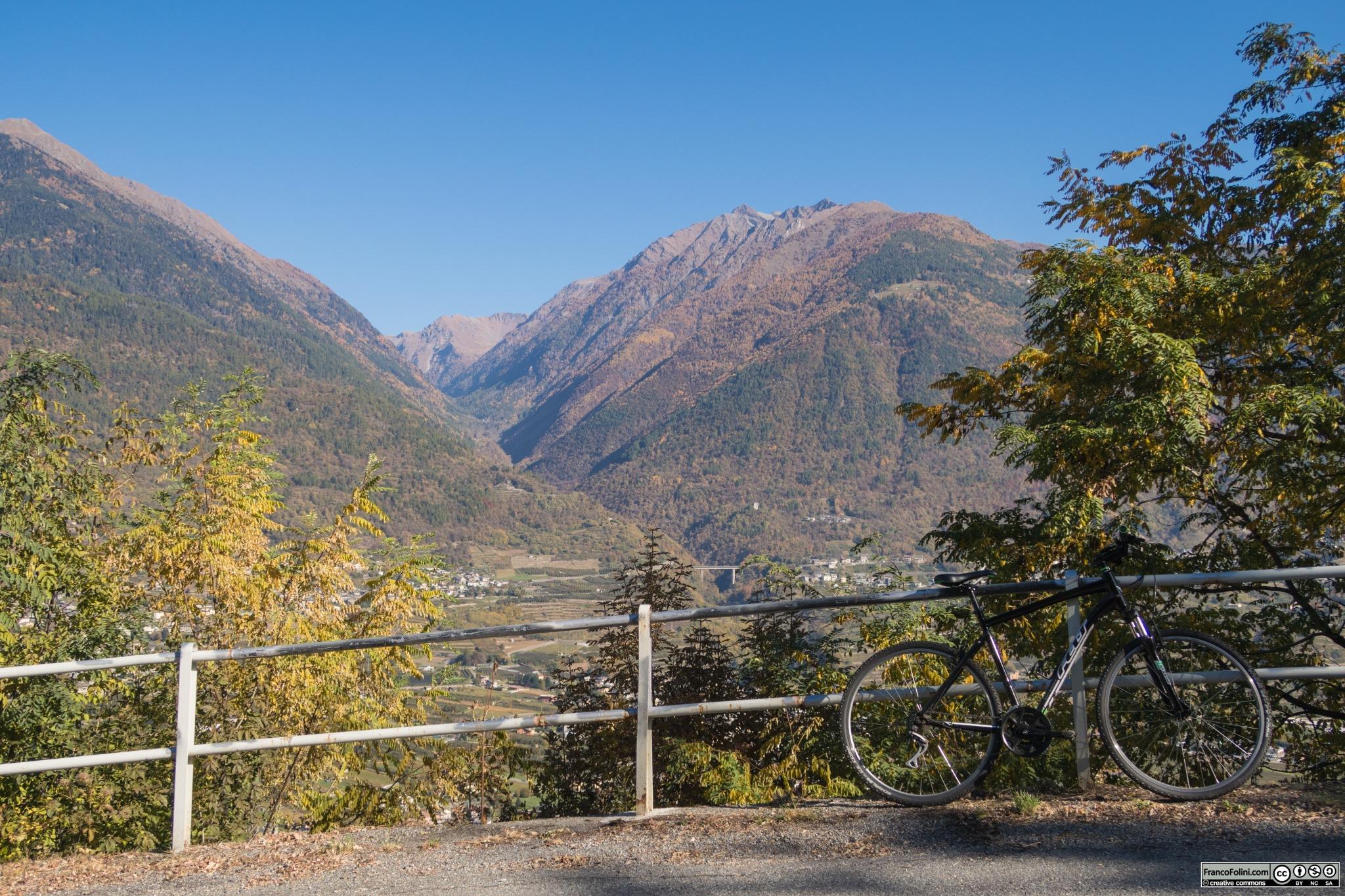 Vista della Valtellina dalla strada che porta ad Arigna