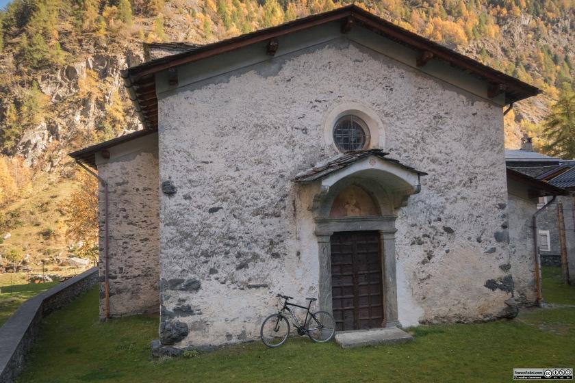 L'antica chiesetta di Ambria dedicata a San Gregorio ed eretta nel 1615.