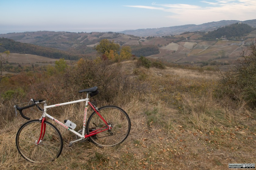 Un'altra sosta per godere del panorama delle colline dell'Oltrepò Pavese