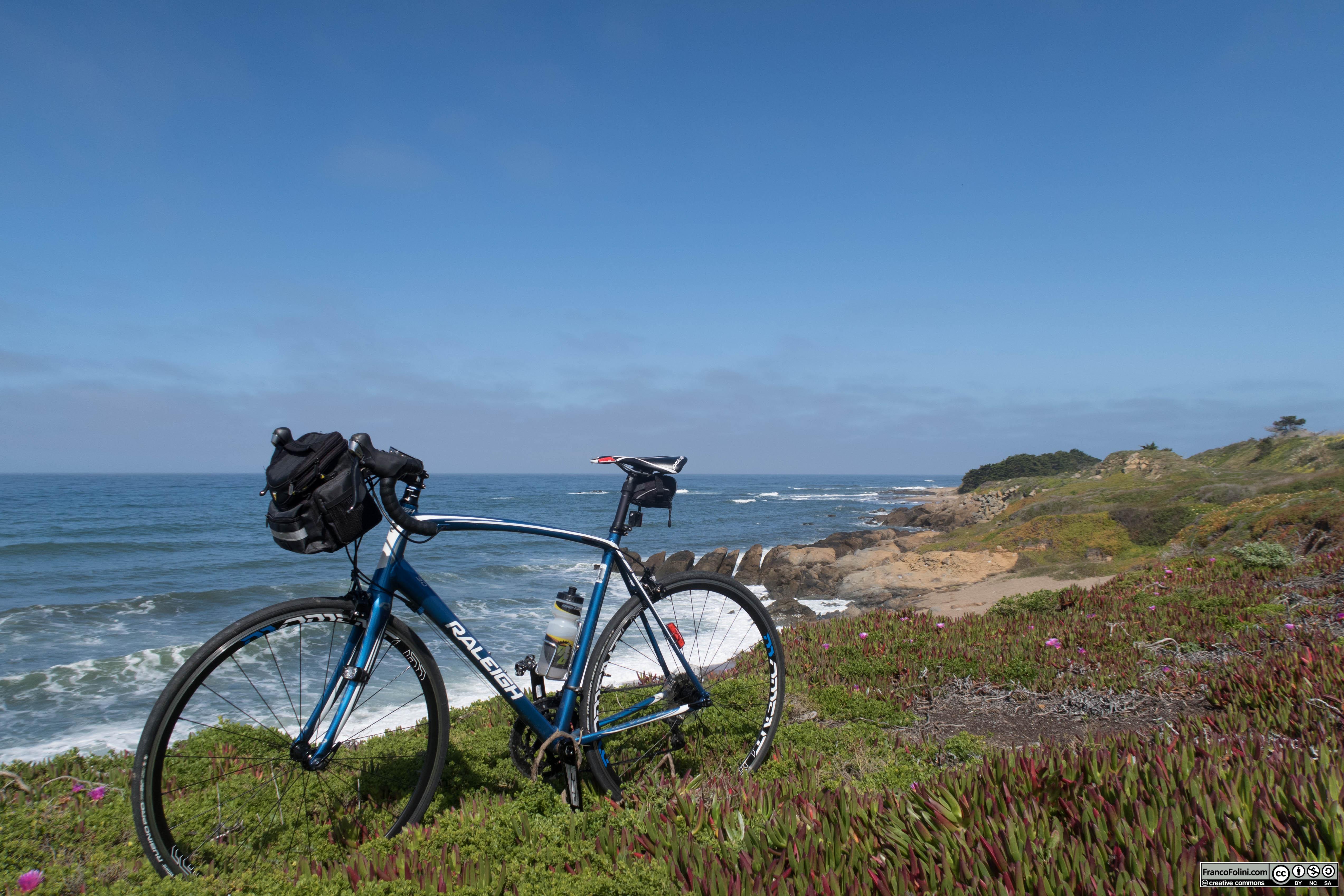 In bicicletta da Half Moon Bay a Santa Cruz, lungo il Pacifico