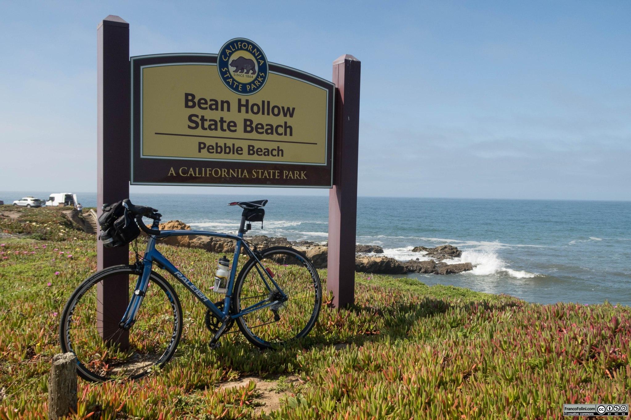 Foto ricordo davanti al cartello della Bean Hollow State Beach.