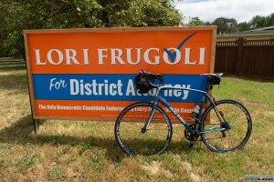 Cartellone pubblicitario per un candidato alle elezioni locali