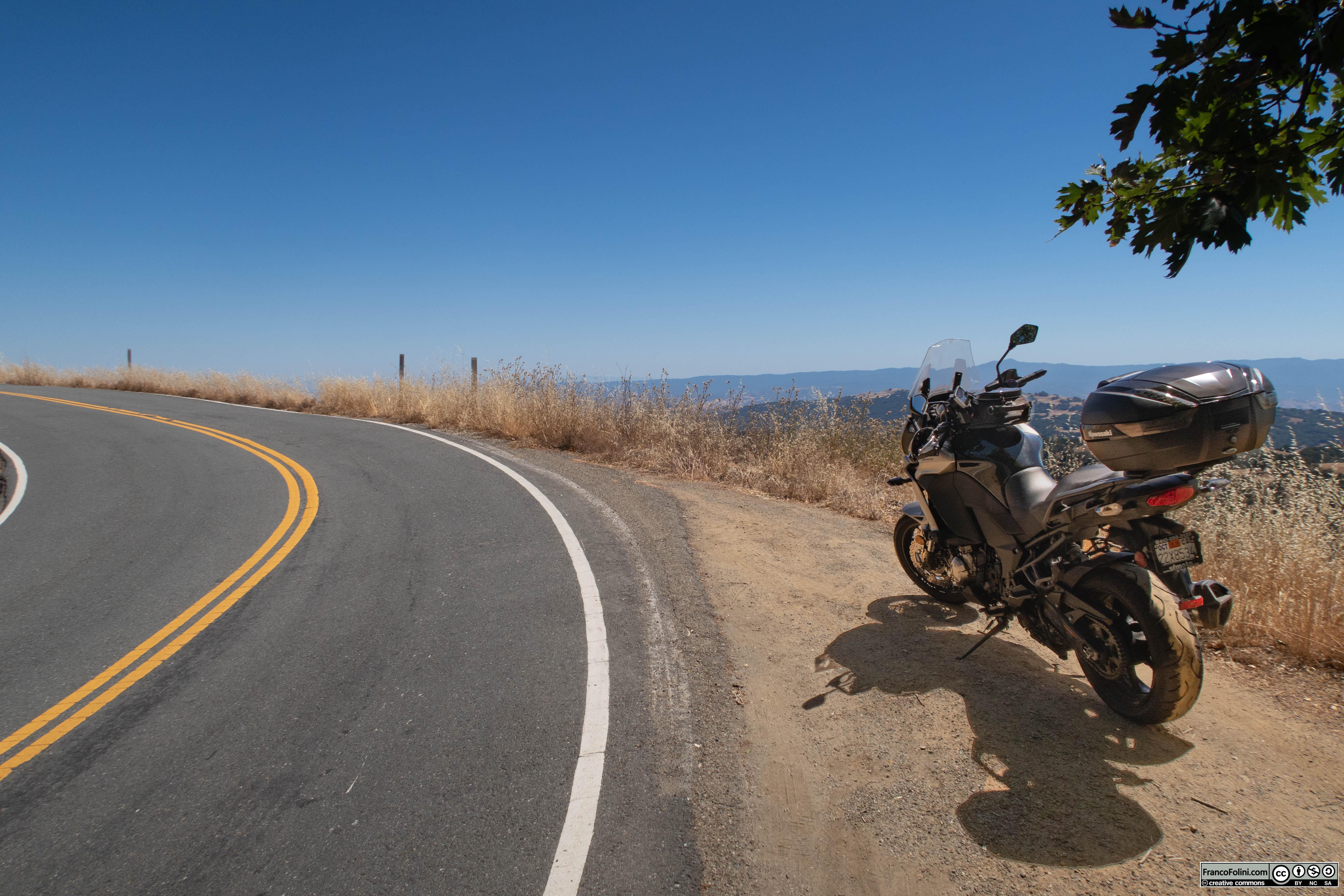 I monti dalla Silicon Valley in sella a una Kawasaki