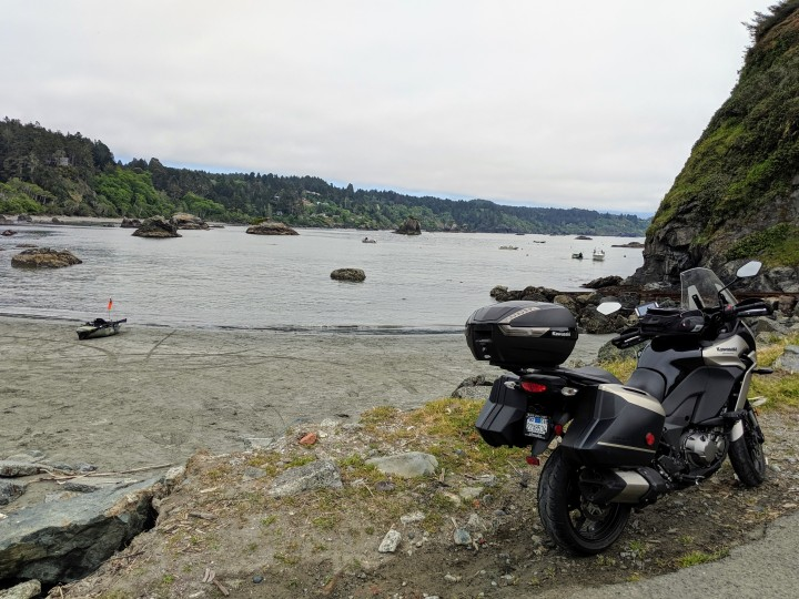 Trinidad is not only a caribbean country, is also a small cute village along the pacific Coast in Northern California. Kawasaki Versys 100 LT at the beach.