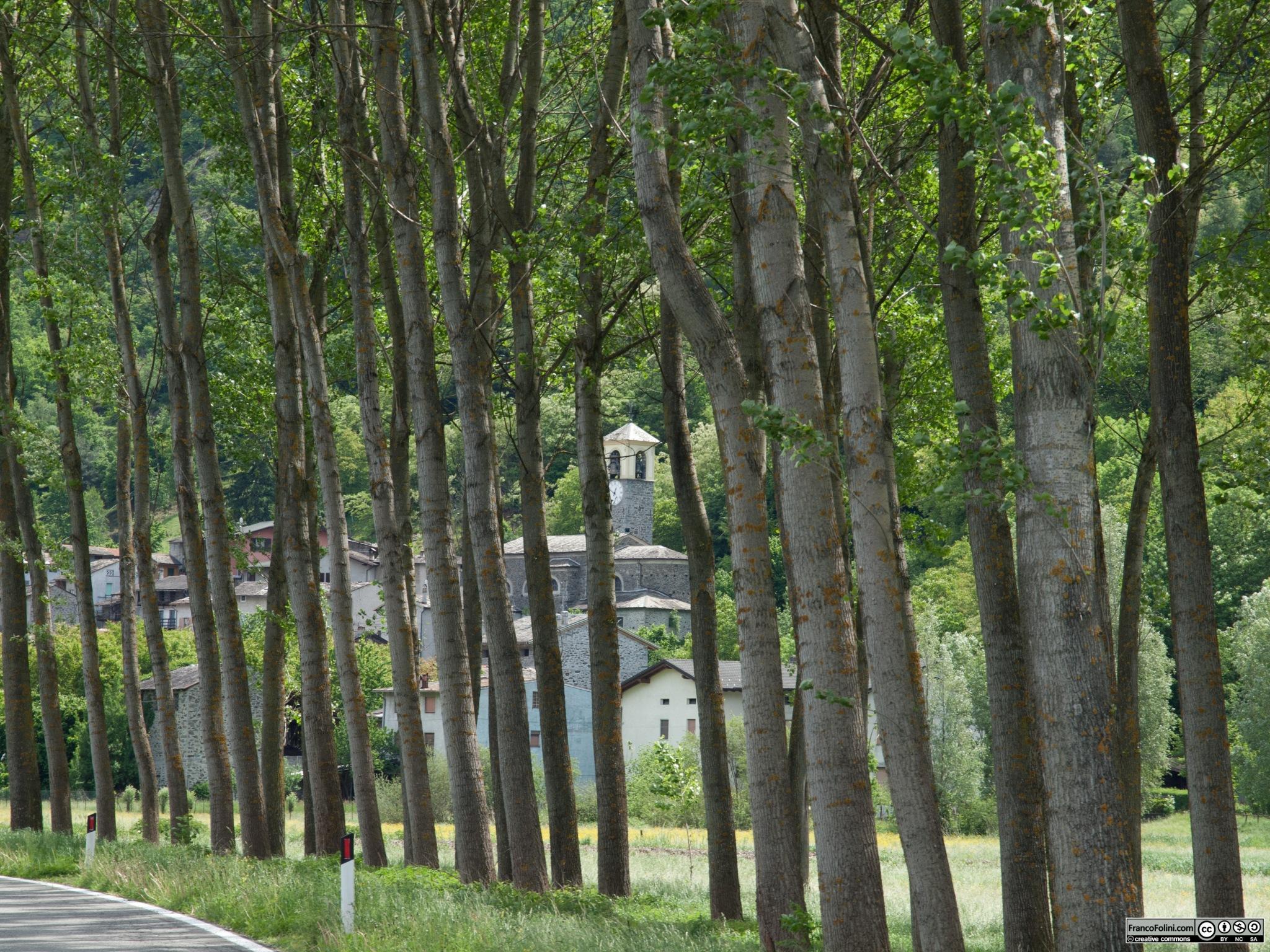 Sirta di Forcola, uno dei più bei centro abitati che si incontrano lungo il sentiero Valtellina